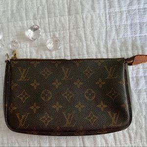 Louis Vuitton Pouchette monogram